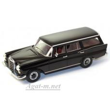 Масштабная модель Mercedes-Benz 220 W110 Universal (2 lights) black