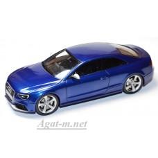 Масштабная модель Audi RS5 2012 голубого цвета