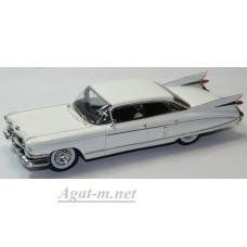 Масштабная модель Cadillac Fleetwood Sixty Special Sedan 1959 белого цвета