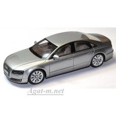 Модель Audi A8 2014 цвет серебристый