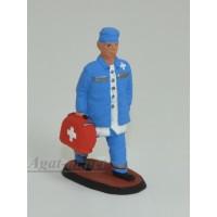 010-005-СОЛ Врач c чемоданом сбоку в синей форме с белым халатом
