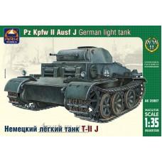35007-АРК Немецкий легкий танк Т-II J