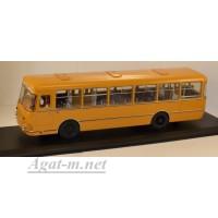 04018-КЛБ Ликинский автобус-677М 1983г., охра белые двери