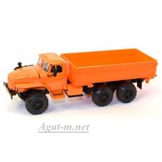 УРАЛ 55571 самосвал сельхозник, оранжевый