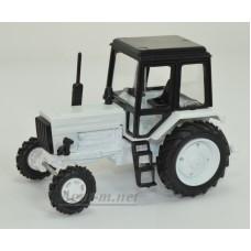 Трактор МТЗ-82 пластик, белый с черной кабиной
