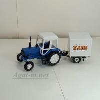 """160015-МЛП Трактор МТЗ-82 пластик, синий/белый с прицепом будка """"Хлеб"""""""