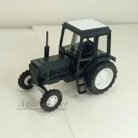 160056-МЛП Трактор МТЗ-82 пластик двух цветный, черный