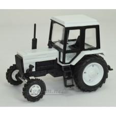 160114-МЛП Трактор МТЗ-82 Люкс пластик, двух цветный бело-черный/белый