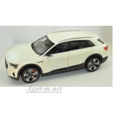 188310-НОР AUDI E-Tron кроссовер 2019 White Metallic