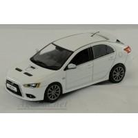 29267-ВИТ Mitsubishi Lancer Sportback Ralliart, Pearl white