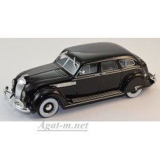 060-WB Chrysler Airflow Sedan 1936 черный