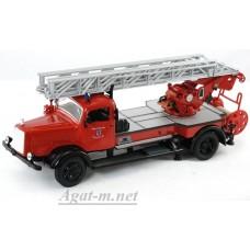Масштабная модель Mercedes-Benz L4500F пожарный