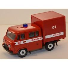 Масштабная модель УАЗ-39094 Фермер с будкой, пожарный