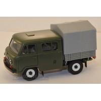 11011-УСР УАЗ-39094 Фермер с тентом, зеленый
