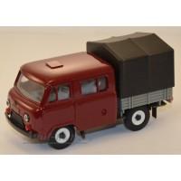 12020-1-УСР УАЗ-39094 Фермер с тентом, (пластик крашенный), бордовый