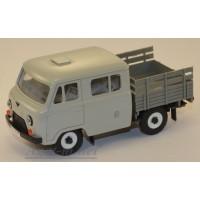 12021-4-УСР УАЗ-39094 Фермер без тента (пластик крашенный), серый