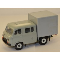 12024-1-УСР УАЗ-39094 Фермер с будкой (пластик крашенный) молочный