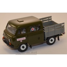 12027-УСР УАЗ-39094 Фермер без тента медслужба (пластик крашенный), зеленый