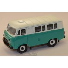 УАЗ-3962 автобус двухцветный (пластик крашенный), зеленый/белый